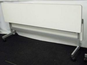 【天板に傷があるため特価処分!】サイドスタックテーブル 幅1800mm 奥行き450mmタイプ ホワイト 【おつとめ品】(中古)
