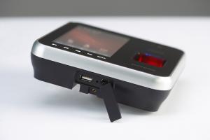 指紋認証/暗証番号/フェリカカード/携帯と3タイプの認証が可能な高性能モデルです。 オフィスの外観を損ねる事無くデザイン系も優れているモデルです。|BioStation T2(バイオステーション T2)