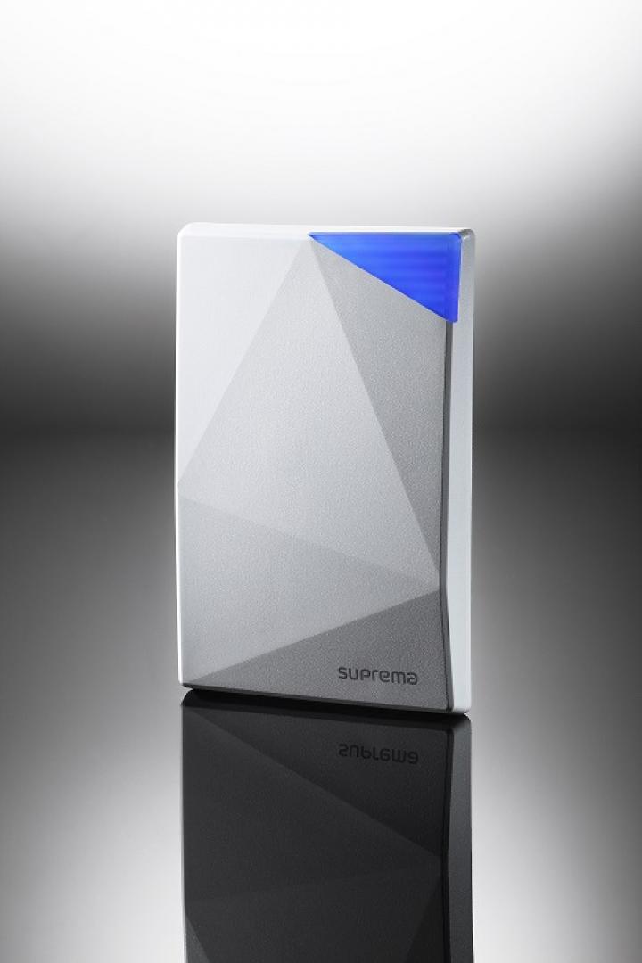 Xpass Slimは、マルチカードリーダーを内蔵したIPベースの入退管理設備ユニット|Xpass Slim(エックスパス スリム)