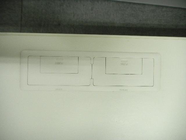 【状態良好!】   ~W1100の平机~配線タップ二つのスマートなデザイン【11台以上揃います!】|新BSシリーズ[new_bs](中古)