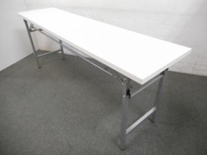 【多目的に活躍!】■折りたたみテーブル ■ホワイト