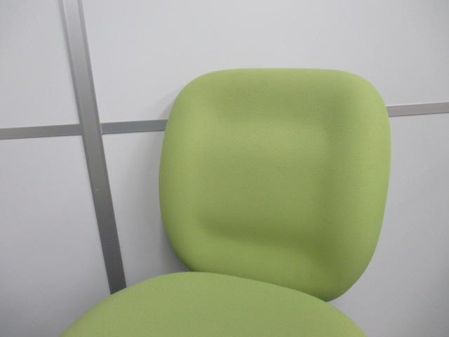 ■オフィスチェア 肘無 ライトグリーン ■プラス製・クッション性のある座面が特徴的!                                                              中古