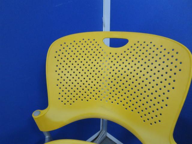 【明るいイエローカラー】■ケイパーチェア【スタッキングチェア】■ハーマンミラー製【中古デザイン家具】                         ケイパーチェア                                     中古
