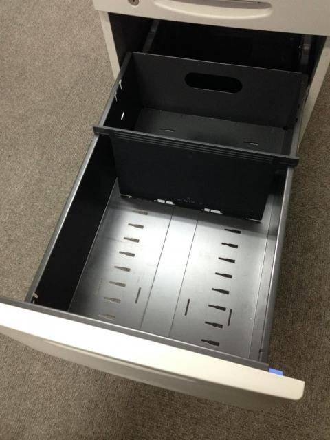 【オフィスの補助デスクに3段脇机!】                         SD                                     中古