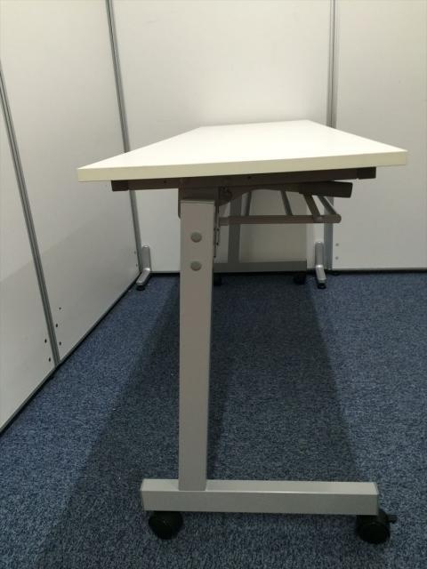 【3台入荷】新古品 ホワイト天板 サイドスタックテーブル                                                              新古品