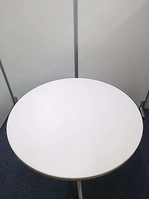 【キャスター付いてます!】かわいらしい丸テーブル入りました!                                                              中古