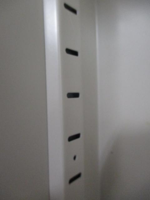【2台入荷】三段おけるため書類をたくさん収納できます。高さが1100mmですので上を物置としても使用可能です。                         ビジネスウォールNタイプ                                     中古