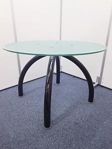 【有名海外メーカーKnoll製のオシャレなガラステーブル!】1台のみ!