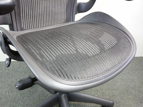 【今なら50台即納可能です!!】シリーズ中最もポピュラーなモデル スタンダード Bタイプ 固定肘|アーロンチェア[Aeron chair](中古)