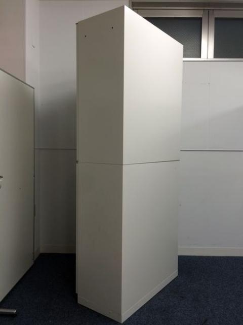 【2台入荷】 上下書庫 両開き仕様 本収納に最適                         シンライン                                     中古
