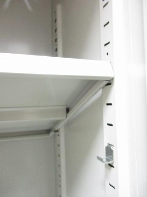 【希少な引き戸書庫】中古市場で人気タイプの単体書庫!D400のスリムタイプです!                                                              中古