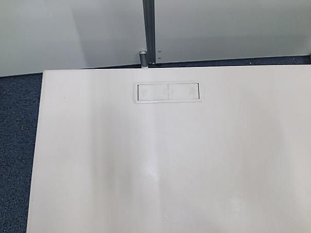 【残り1台となりました!】ホワイトのデスク イトーキ製 CZシリーズ入荷                         CZ                                     中古