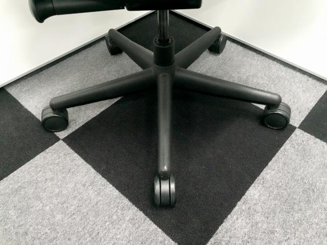 【状態良好】■steelcase製リープチェア ■珍しい固定肘タイプ ■自宅用にもおすすめです                          リープ                                     中古