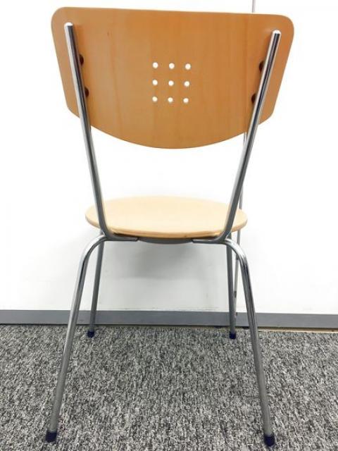 【11脚入荷】木目調のお洒落なスタッキングチェア!待合室や休憩室に最適                                                              中古