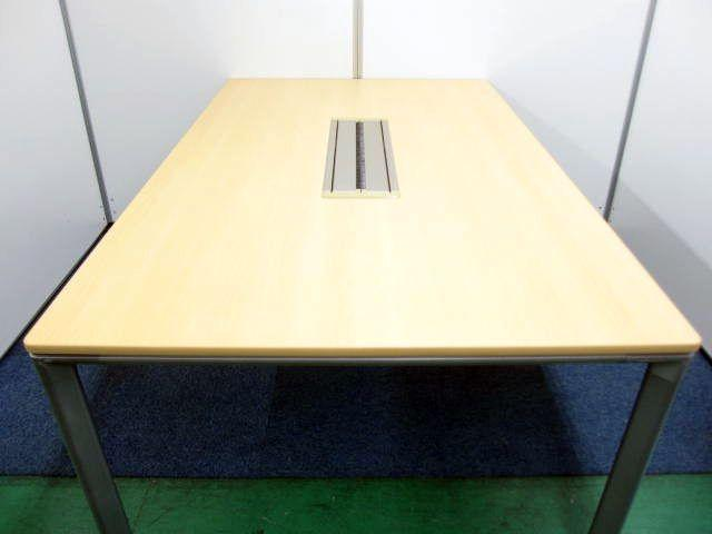 配線BOXもある ミーティングテーブル ナチュラル 奥行広々タイプ                                                              中古
