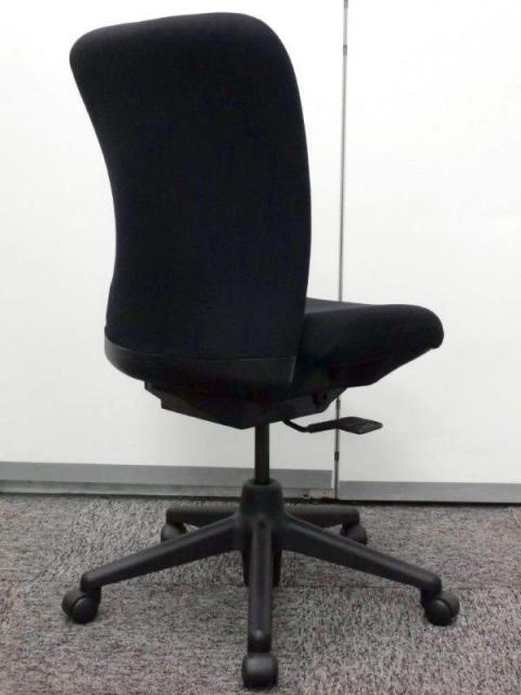 HAWORTH製ローバックチェア ブラックで限定1脚 クッション厚めで心地よい!                                                              中古