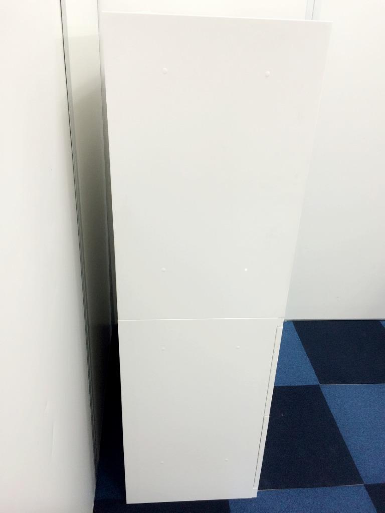 【人気のホワイト書庫が入荷!珍しいタイプの書庫セット】■オカムラ製 ■レクトライン ■上:オープン 下:2段ラテラル