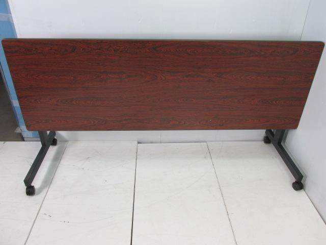 内田洋行|サイドスタックテーブル|折り畳んでコンパクトに収納                                                              中古