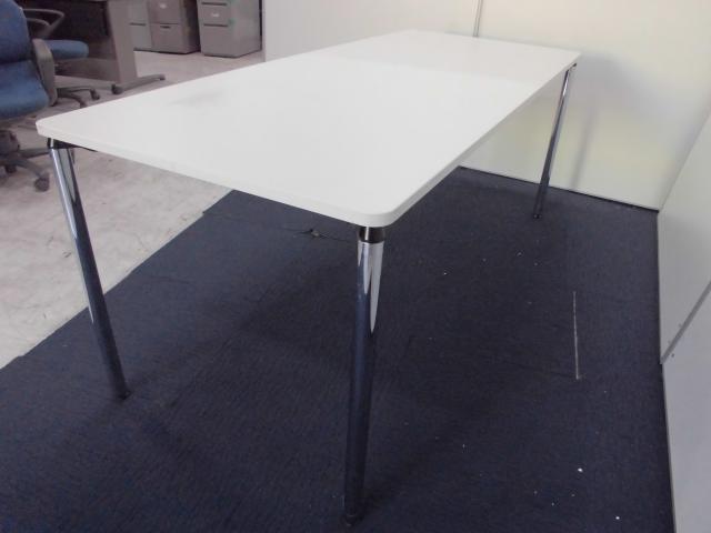 【白い天板がキレイです】イトーキ製ミーティングテーブル【W1800×D750】                                                              中古