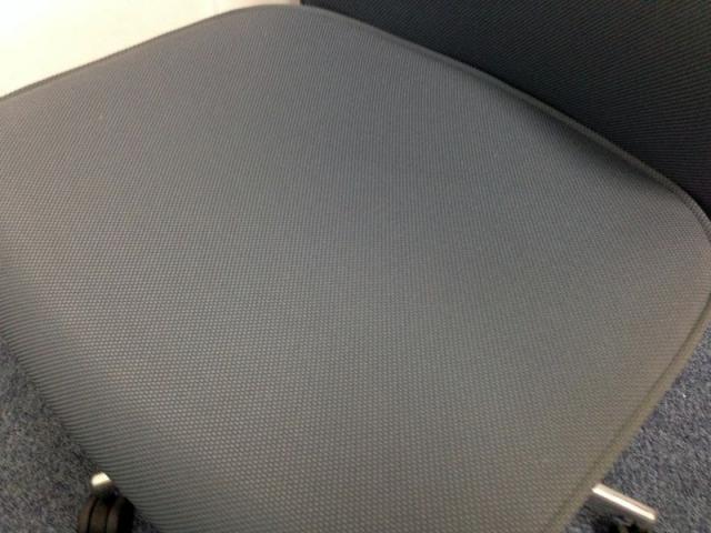 【美品】包み込まれるような快適な座り心地をご提供!!                         プント                                     中古