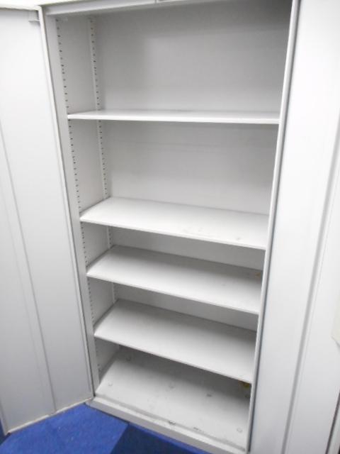 【A4ファイル5段収納】書類管理に非常に便利!両開き扉タイプで書類も見やすい!高さ1800mmの両開き書庫が入荷いたしました!                                                              中古