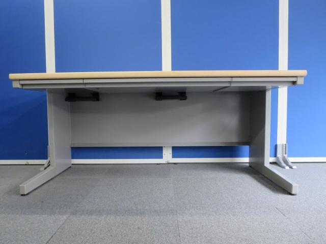 【幅広い作業スペースを確保できるW1600mmサイズ!】■平机 木目柄天板 ■ウチダ(UCHIDA) フィード(FEED)シリーズ                         FEED                                     中古