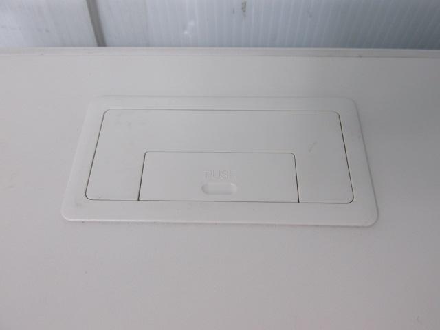 【国内メーカー品】コクヨ 平机 ホワイト W1200                                                              中古