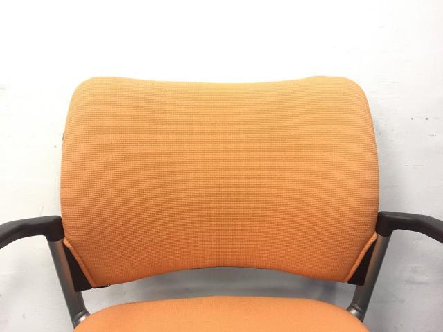 【限定1脚】オレンジ色でオフィスをさわやかに!キャスター付きで移動も楽々!                         8147AA                                     中古