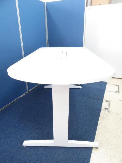 [とっても状態良いです!!]岡村製作所(okamura) ワークテーブル 立ち会議に最適なハイタイプ!!グループでの打ち合わせや作業に如何でしょうか!![半円タイプ]                                                              中古