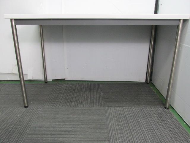 【ホワイトテーブル】4人で囲むのぴったりのテーブル!                                                              中古