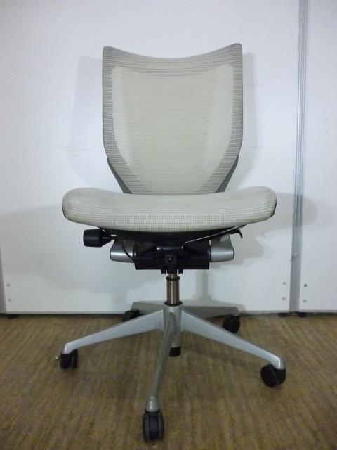 天使のホワイト色入荷|デザインオフィスに調和するチェア                         バロン                                     中古