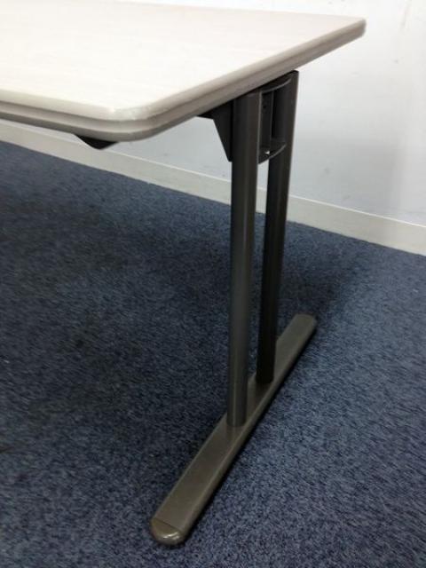 【オシャレなテーブル+チェアをセットでお得に!】10%オフ! テーブルが内田洋行 チェアは岡村製作所                                                              中古