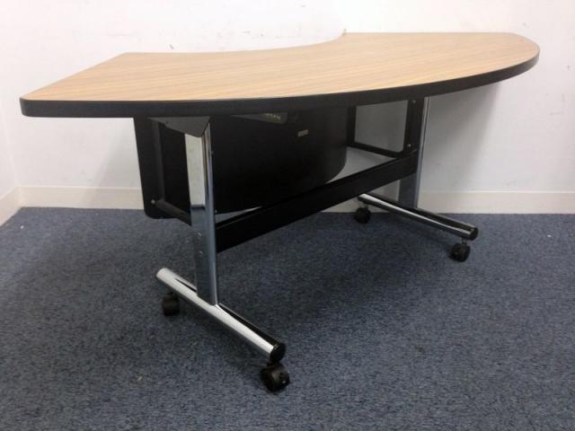 【憧れの会議室をご提案致します!】円形に組める会議テーブル!よくテレビや映画でみかけるような!                                                              中古