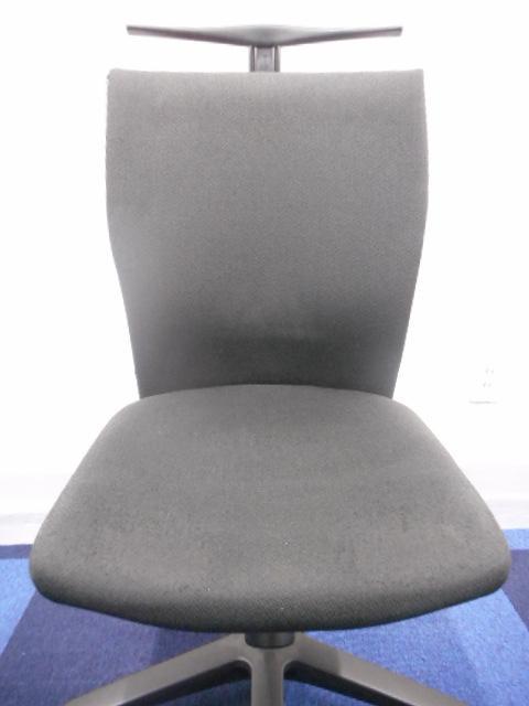 [通常9,000円→4,500円]オフィスチェア、事務イス コクヨ トレンザシリーズ 細かな調整可能で座りやすい![おつとめ]                         トレンザ                                     中古