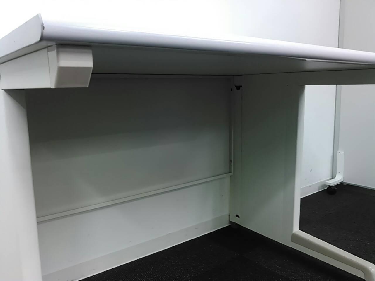 オフィスバスターズのオリジナル商品を作っちゃいました!1200mm平机・センター引き出しなし【ホワイトドラゴン】|ビジネスデスク
