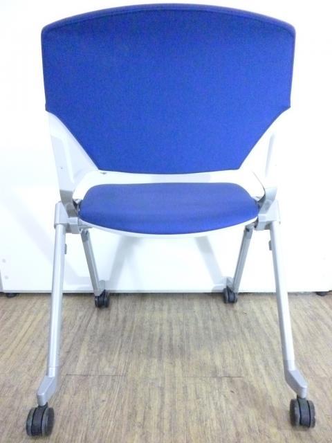 【 定番タイプ】鮮やかなブルーのミーティングチェア入荷致しました!                                                              中古
