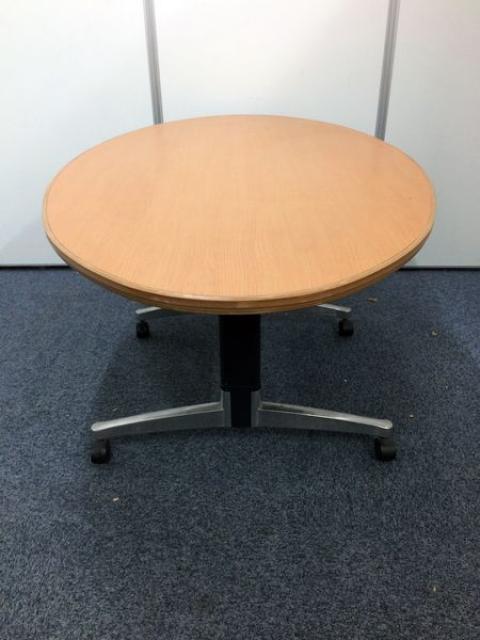 【セット商品】お洒落な楕円形のテーブル鮮やかなオレンジ色                                                              中古
