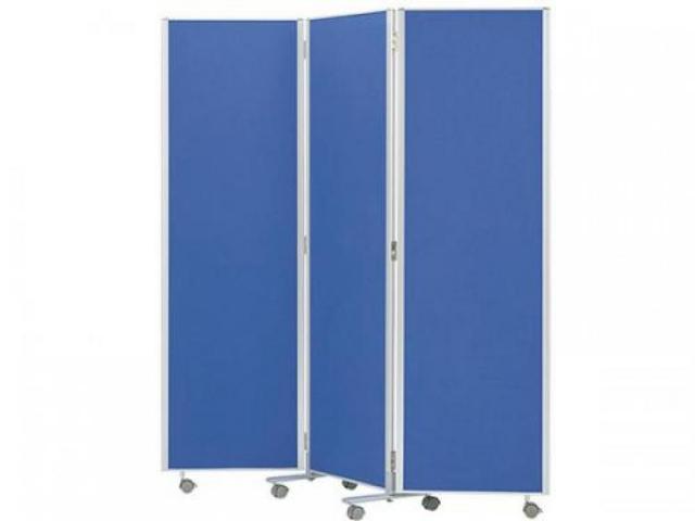 ■3連パーティション ブルー■W1800mm(W600×3枚)■三つ折り衝立パネル キャスター付