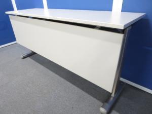 ■コクヨ製 サイドスタックテーブル【幕板パネル付】■W1500×D450mmサイズ【おつとめ品】