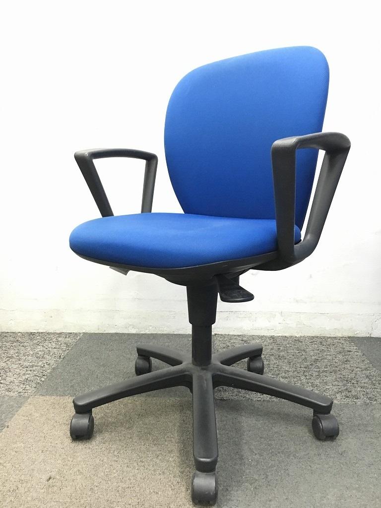【値下げ】ロット入荷の肘付きチェアです!!色もオフィスに似合う商品です!|リエットチェア[Rillettes](中古)