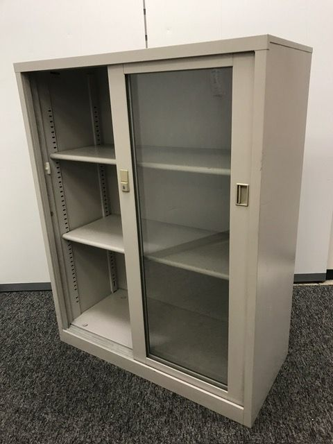【1台入荷】イトーキ製ガラス引き違い書庫 鍵付で施錠も可能です (中古)
