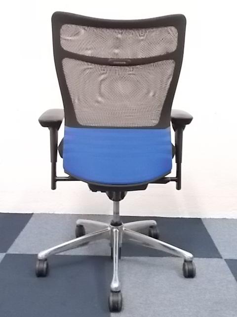 【専門業者にてクリーニング済み】[メッシュ素材の軽快感!!]岡村製作所製 フィーゴメッシュチェア(feego mesh) ブラック■先進のエルゴノミクスに秘められた快適な座り心地とシーティングとしての使いやすさ!!コートハンガー無しにより特価!! |フィーゴチェア[feego](中古)