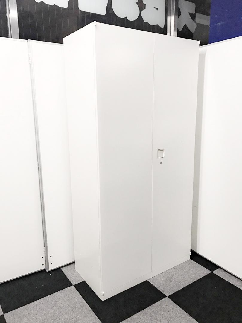 綺麗なホワイトカラーのハイキャビネット入荷!女性にも優しい1800mmの高さ!~棚板が1枚不足しております~|レクトライン[Rectline](中古)