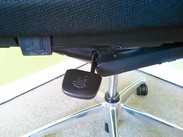 【大量入荷】優美珠玉のウレタンチェアが、メッシュ背面を搭載…!? フィーゴメッシュチェア!!|フィーゴチェア[feego](中古)