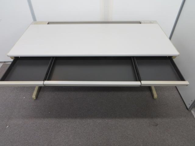【超稀少!】幅1500mmの平机【オカムラ製の国産の丈夫な作り!】|SD-eシリーズ[SD-e Desk system](中古)
