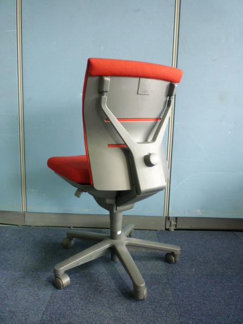 【残り40脚!】トレンザチェアが入荷しました!多機能で快適な座り心地が人気のシリーズです!|トレンザチェア[TRENZA](中古)