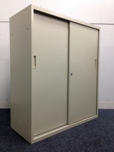 【引き違いスライド書庫|4台まとまって入荷!】奥行も400mmとまさに省スペース向けの収納!
