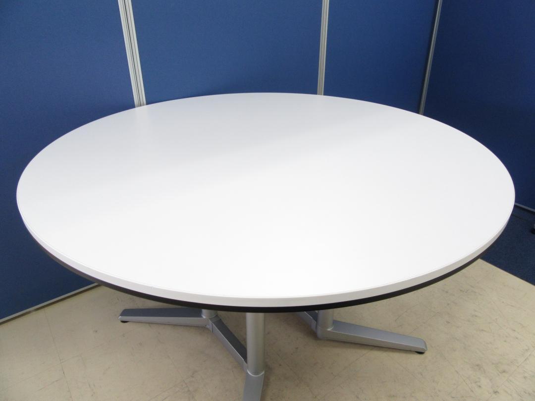 [人気シリーズより円テーブルが入荷!!]岡村製作所(okamura) ラティオⅡシリーズ■明るいホワイト天板!!滅多に入荷しないレア商品です!![丸テーブル][スキップシルバー]  ラティオⅡ[RATIOⅡ](中古)