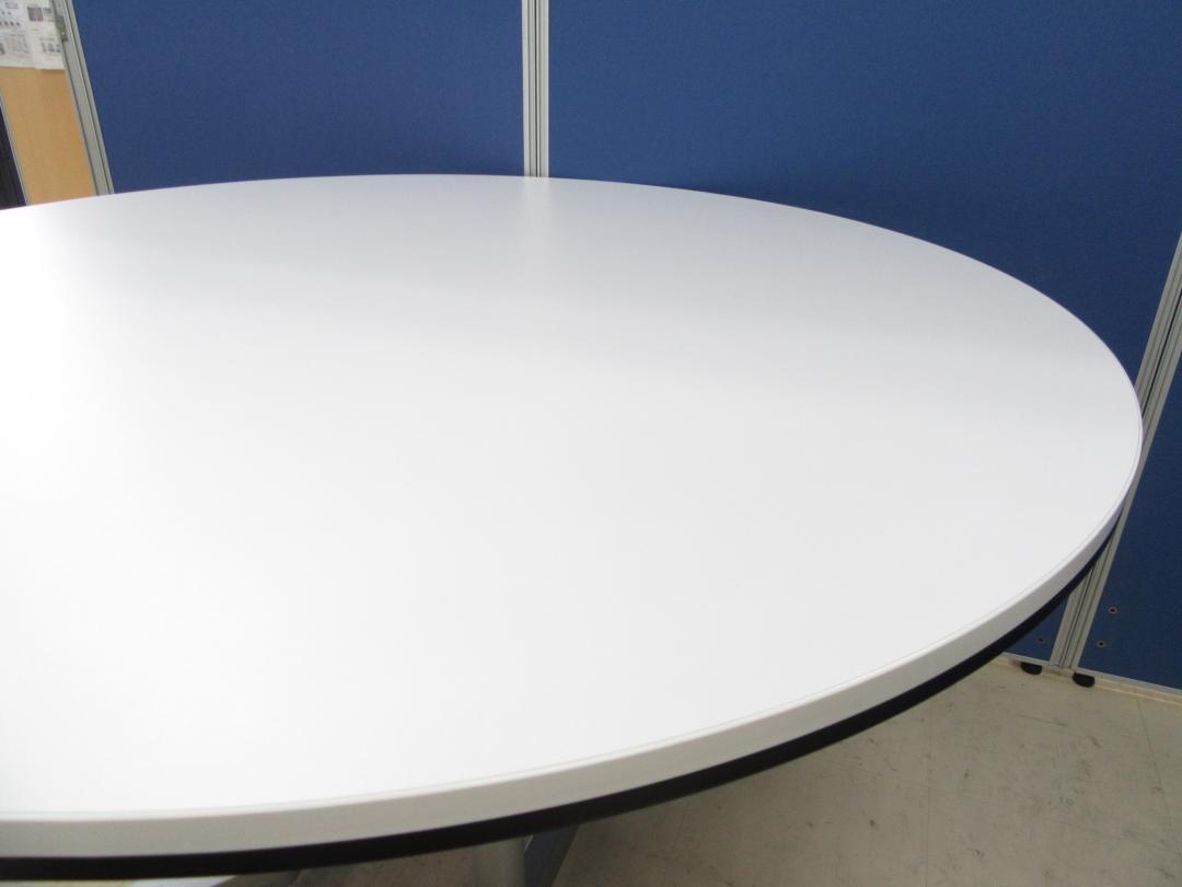 [人気シリーズより円テーブルが入荷!!]岡村製作所(okamura) ラティオⅡシリーズ■明るいホワイト天板!!滅多に入荷しないレア商品です!![丸テーブル][スキップシルバー] |ラティオⅡ[RATIOⅡ](中古)