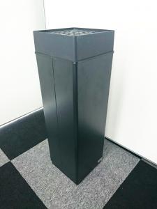 【珍しい商品】黒の灰皿【一点もの】